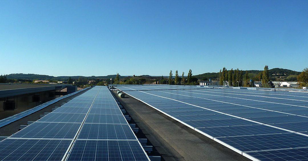 Développer le photovoltaïque en zone d'activité